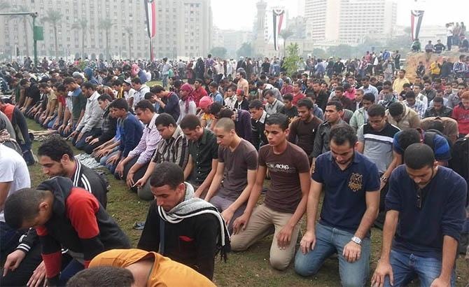 darbe-karsiti-ogrenciler-tahrir-de-misir06.jpg