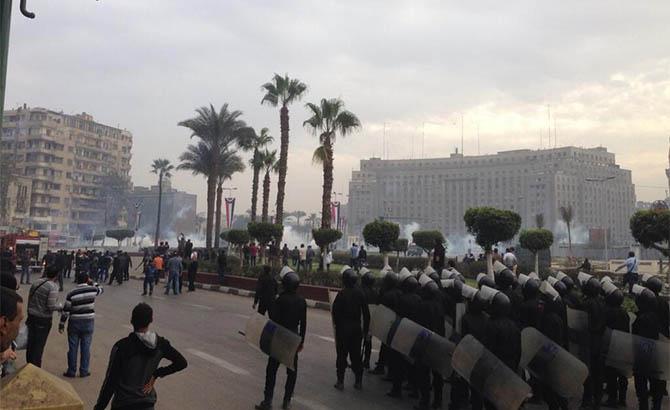 darbe-karsiti-ogrenciler-tahrir-de-misir07.jpg