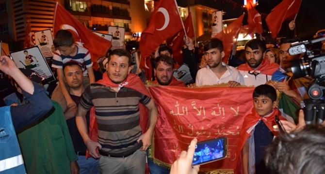 darbe_kalkismasi_protestosu_imkander_kafkasyali_muhacirler-(5).jpg