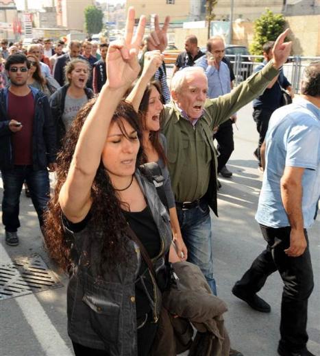 demokratik-ogrenci-dernekleri-federasyonu-dolapdere-kobani07.jpg