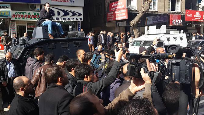 diyarbakir-28-subat-protestosu-paralel-yapi-cemaatciler-provokasyon05.jpg