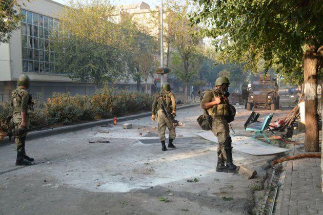 diyarbakir-asker-sehre-indi.jpg