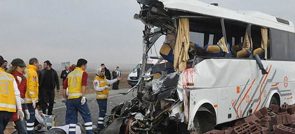 diyarbakir-batman-kaza-otobus-midibus-tir.jpg