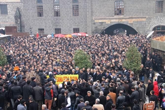 diyarbakir-charlie_hebdo-20150116-02.jpg