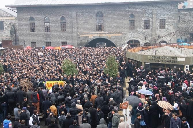 diyarbakir-charlie_hebdo-20150116-04.jpg