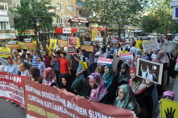 diyarbakir-darbeyi-protesto-01.jpg