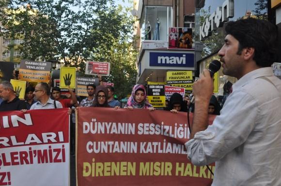 diyarbakir-darbeyi-protesto-02.jpg