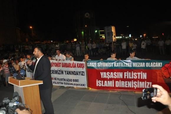 diyarbakir-gazze-icin-dua-seferberligi-nobeti-04.jpg