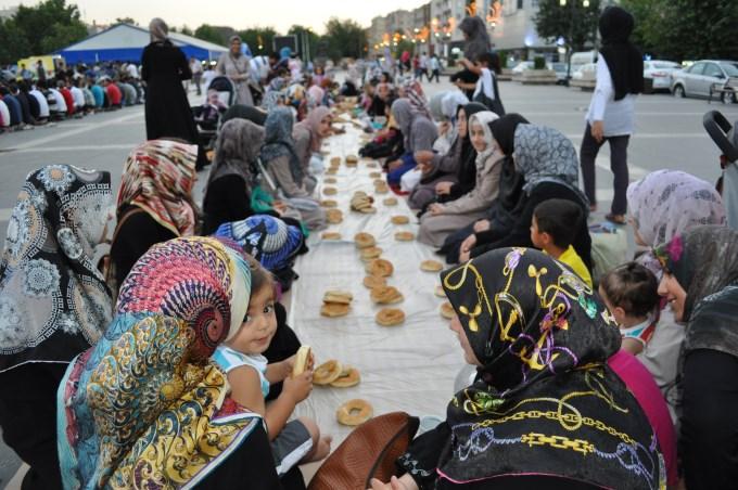 diyarbakir-iftar-20130713-01.jpg