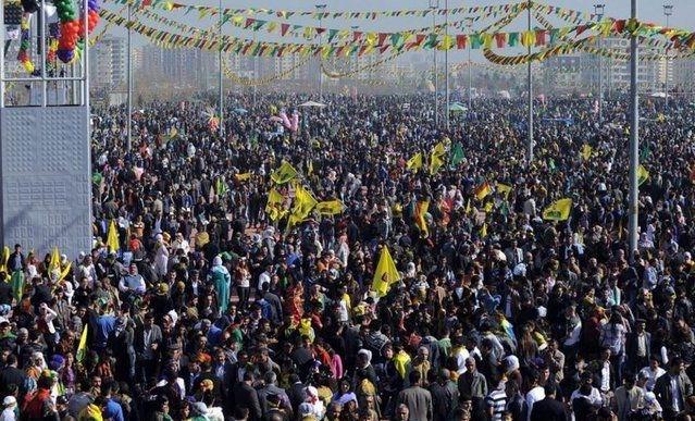 diyarbakir-nevruz-newroz-2013-02.jpg