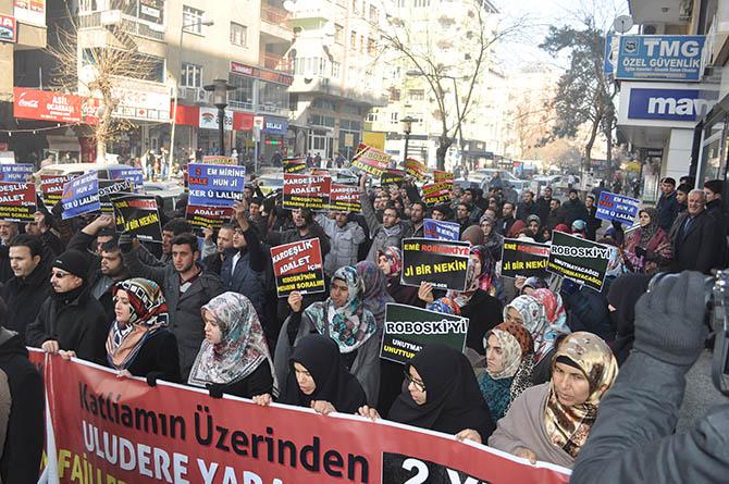 diyarbakir-roboski-eylemi-(5).jpg