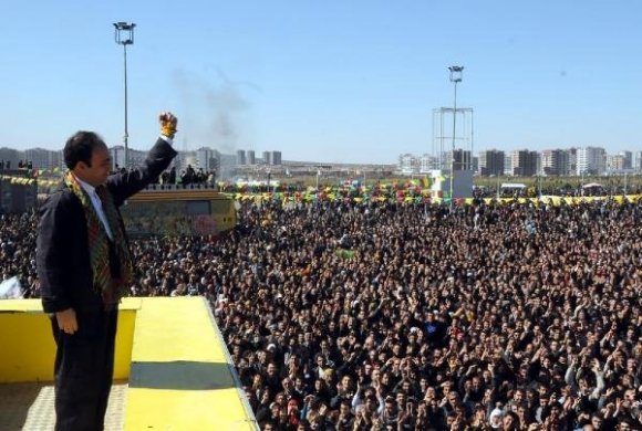 diyarbakirda-nevruz-newroz-2012.jpg
