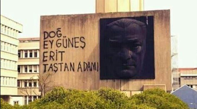 dog-ey-gunes-erit-tastan-adami-bogazici-universitesi-ataturk-heykeli.jpg