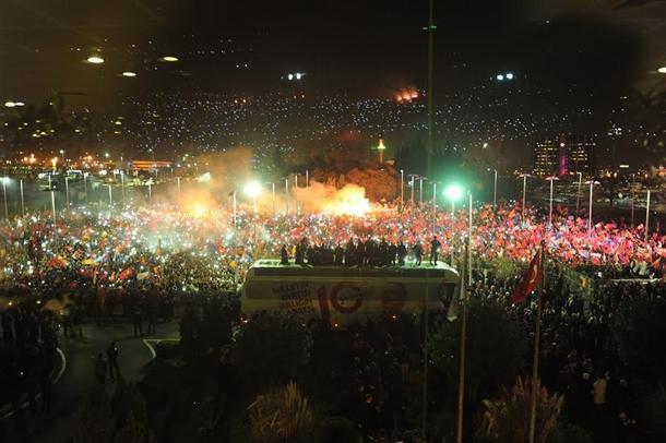 erdogan-halka-seslendi7.jpg