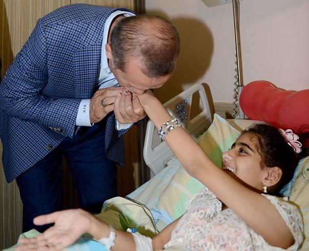 erdogan_gazzeli-yaralilari-ziyaret02.jpg