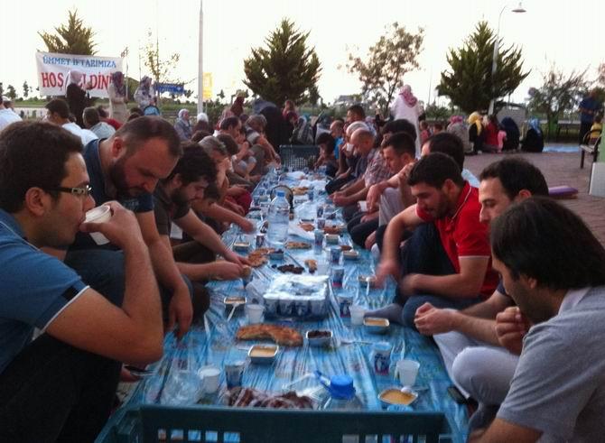 eynesil-iftar-20130802-2.jpg