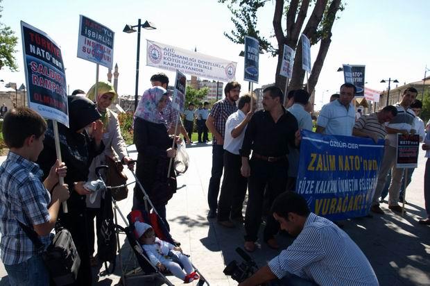 fuze-kalkani_sivas-protesto03.jpg