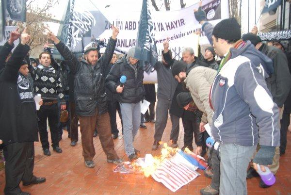 garipder-ankara-abd-protesto03.jpg