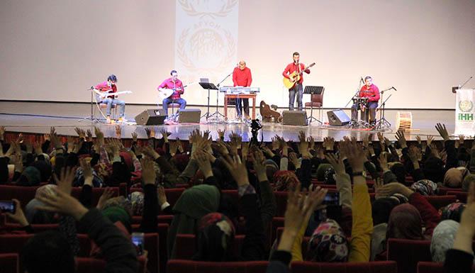 grup-yuruyus-afyon-konseri-08.jpg
