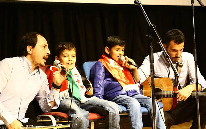 grup-yuruyus-konseri---suriyeli-ahmed-ve-muhammed01.jpg