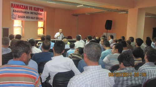 gurbuz-konferans-20110822-6.jpg