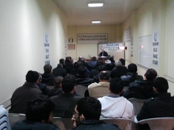 hamza_akdeniz-20120120-02.jpg