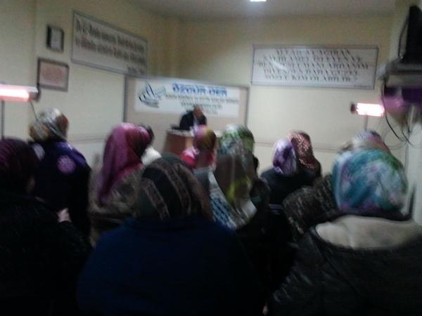 hamza_akdeniz-20120120-03.jpg