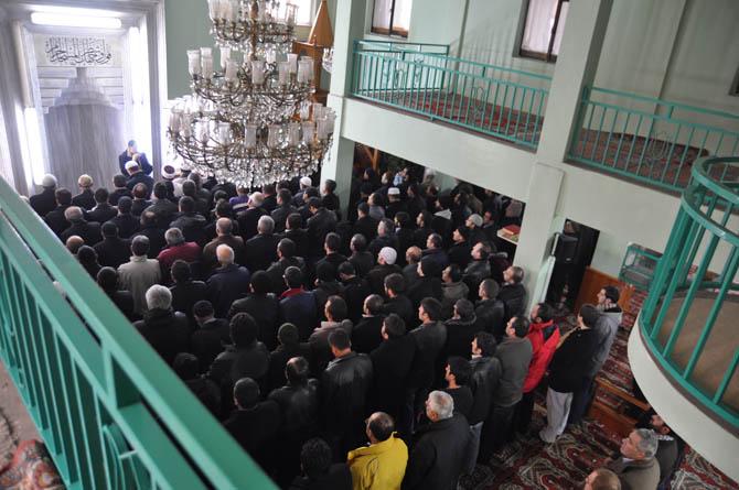 hamza_yavuz_cenaze_20121216-1.jpg