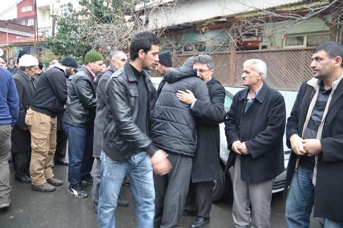 hamza_yavuz_cenaze_20121216-4.jpg