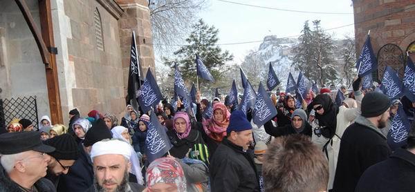 hizb-ut-tahrir_protesto_haci-bayram-veli03.jpg