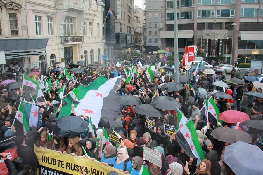 idlib-eylemi-rusyayi-protesto-taksim03.jpg