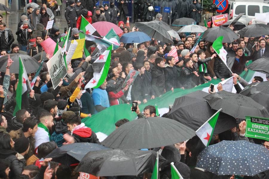 idlib-eylemi-rusyayi-protesto-taksim05.jpg