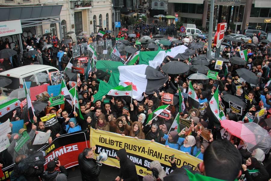 idlib-eylemi-rusyayi-protesto-taksim14.jpg