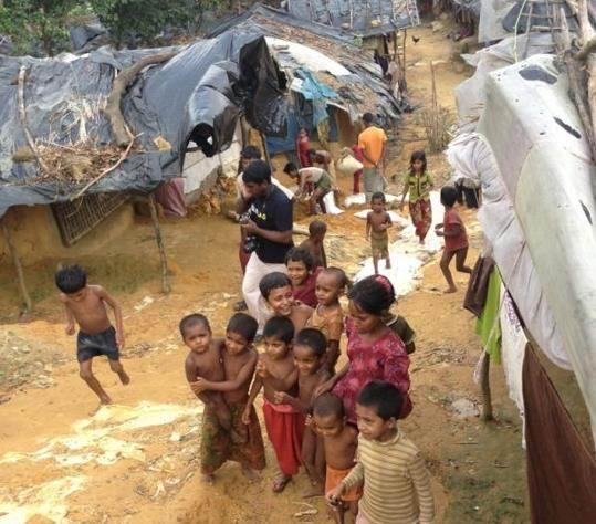ihh-ekipleri-burma-myanmar-arakanli-muslumanlar04.jpg