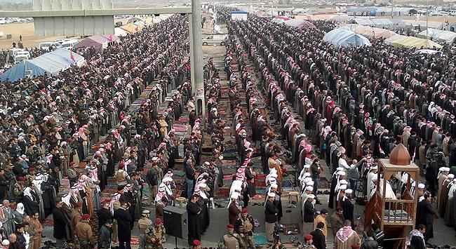 irak-iraq-cuma-namazi.jpg