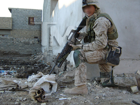 iraq-soldier-bodies-on-fire-marine-investigation-photos-7.jpg