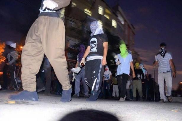 istanbul-suruc-cenaze-gazi-silahli-militanlar07.jpg