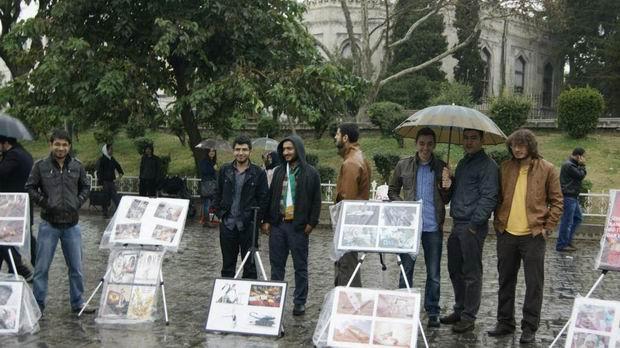 istanbul-universitesi-iu_suriye_bizim-cocuklar_sergi-protesto06.jpg
