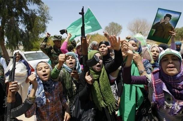 kaddafi-yanlilari-libyali-kadinlar.jpg