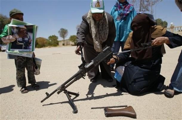 kaddafi-yanlilari-libyali-kadinlar01.jpg