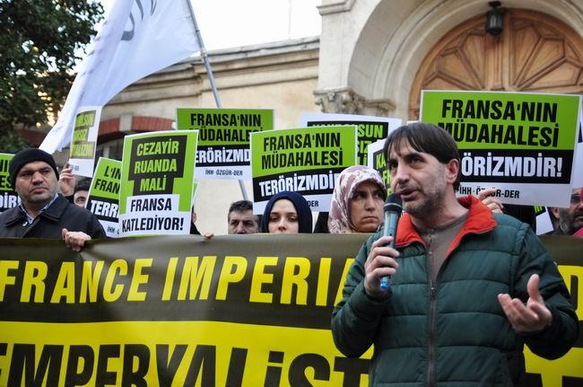 mali-fransa-protesto-fransiz-konsoloslugu_ozgur-der07-osmanatalay.jpg