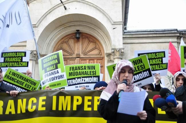 mali-fransa-protesto-fransiz-konsoloslugu_ozgur-der09-hulyasekerci.jpg