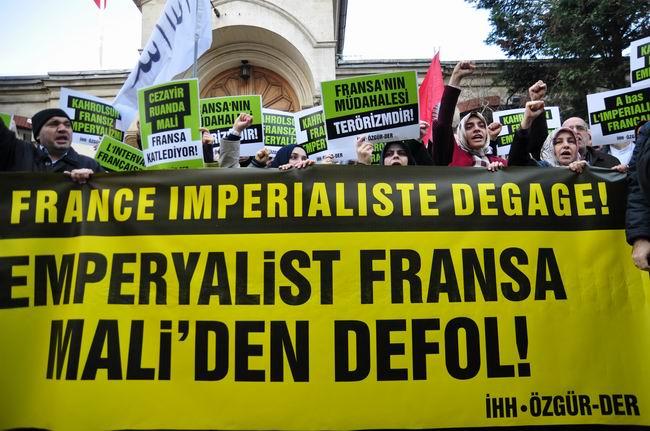 mali-fransa-protesto-fransiz-konsoloslugu_ozgur-der10.jpg