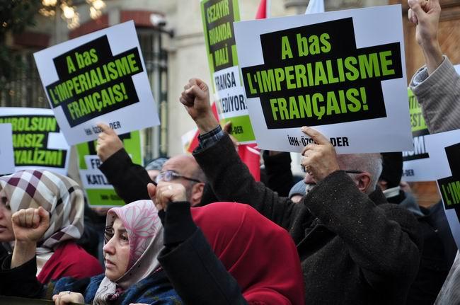 mali-fransa-protesto-fransiz-konsoloslugu_ozgur-der12.jpg