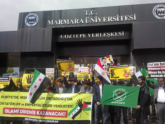marmara_universitesi_misir_protesto-(1).jpg