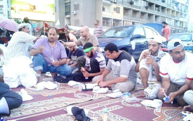 misir-ihh_adeviye-meydani-iftar5.jpg