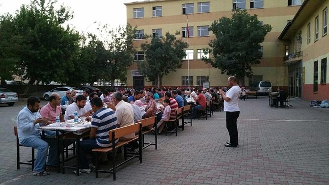 mus_ozgur-der_iftar-(1).jpg