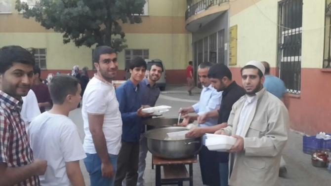 mus_ozgur-der_iftar-(2).jpg