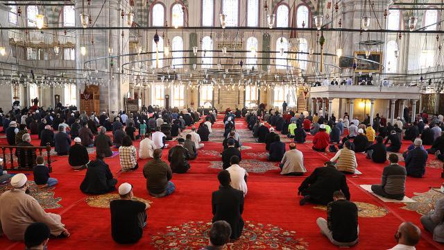namaz-istanbul-aa-1571465-2.jpg