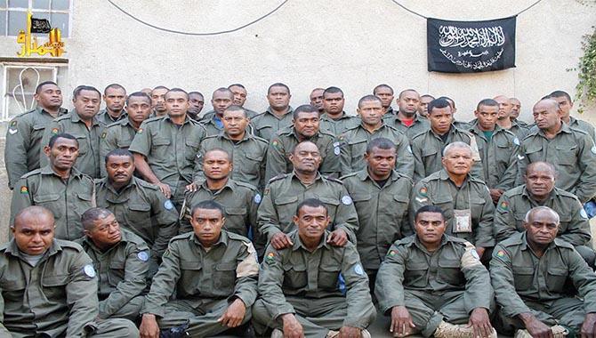 nusranin-elindeki-bm-askerleri-un03.jpg